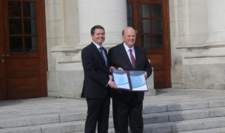 Paschal Donohoe and Michael Noonan deliver photo call before Budget 2017
