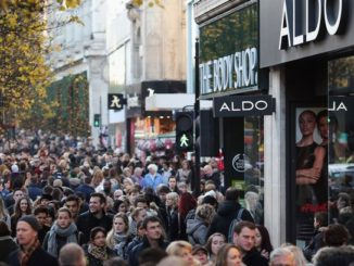 shoppers-crowd-oxford-street