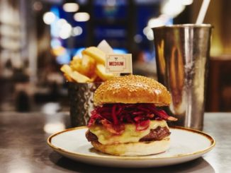canary-wharf-eating-drinking-gourmet-burger-kitchen-aw15-1-741x417