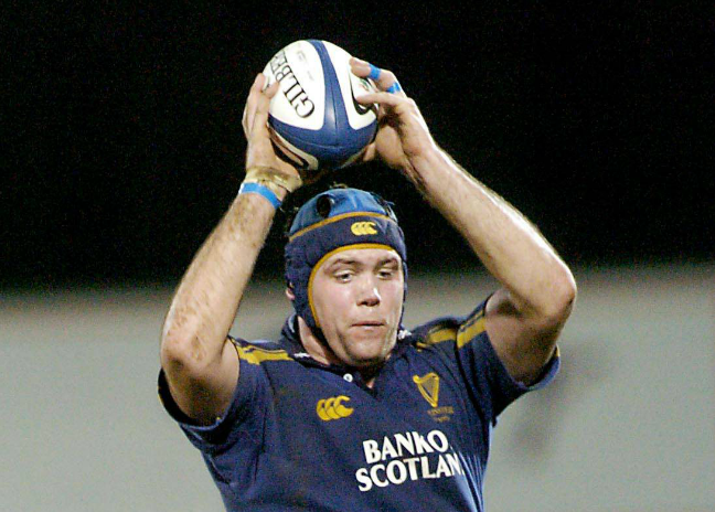 Kearney playing for Leinster in 2004